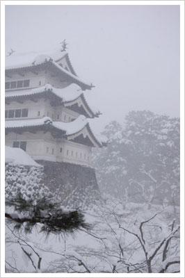 弘前城の雪